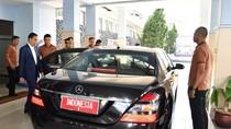 Cerita di Balik Beda Busana Jokowi dan Paspampres Zaman Now