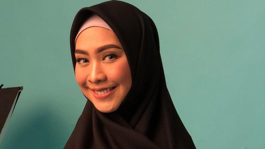 Foto: 10 Gaya Selebriti hingga Desainer Hijab yang Ikut Bela Palestina