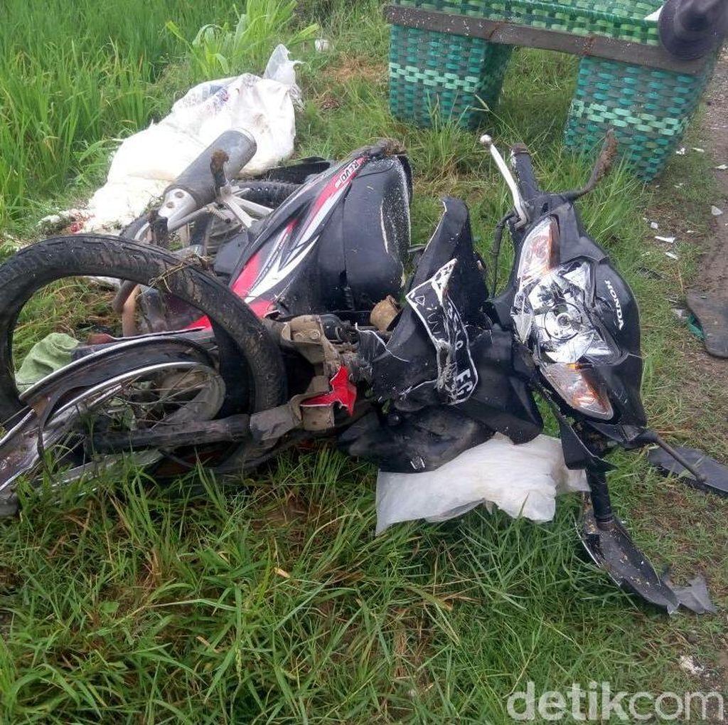 Tabrakan dengan Ambulans, Penjual Nasi Jagung di Pati Tewas Seketika