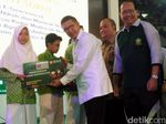 Menteri Lukman Ajak Masyarakat Hormati Silang Pendapat Soal LGBT