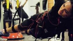 Total Body Resistance Exercise atau TRX yang dilakukan Gracia Indri jadi kunci suksesnya menguruskan badan. Deretan artis ini juga diketahui rajin TRX.