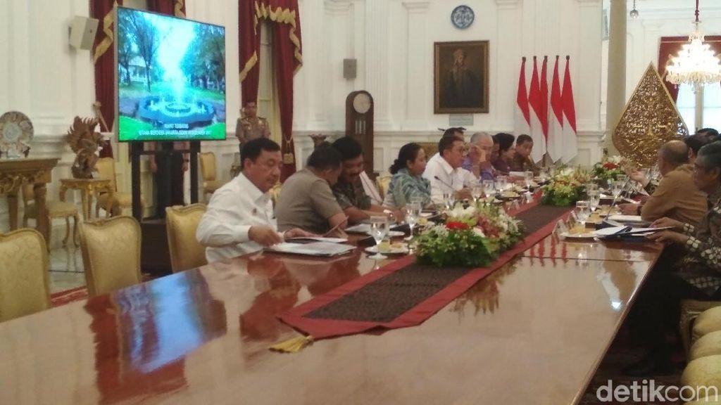 Cuaca Ekstrem, Jokowi Minta Harga Pangan Stabil Saat Natal dan Tahun Baru