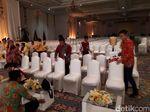 Presiden Jokowi Minta Sofa VVIP Munaslub Golkar Diganti Kursi Peserta
