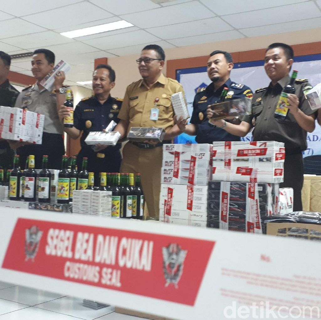 Bea Cukai Banten Amankan Puluhan Ribu Botol Miras dan Rokok Ilegal