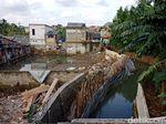 Dikebut 24 Jam, Begini Progres Perbaikan Tanggul Jebol di Jatipadang