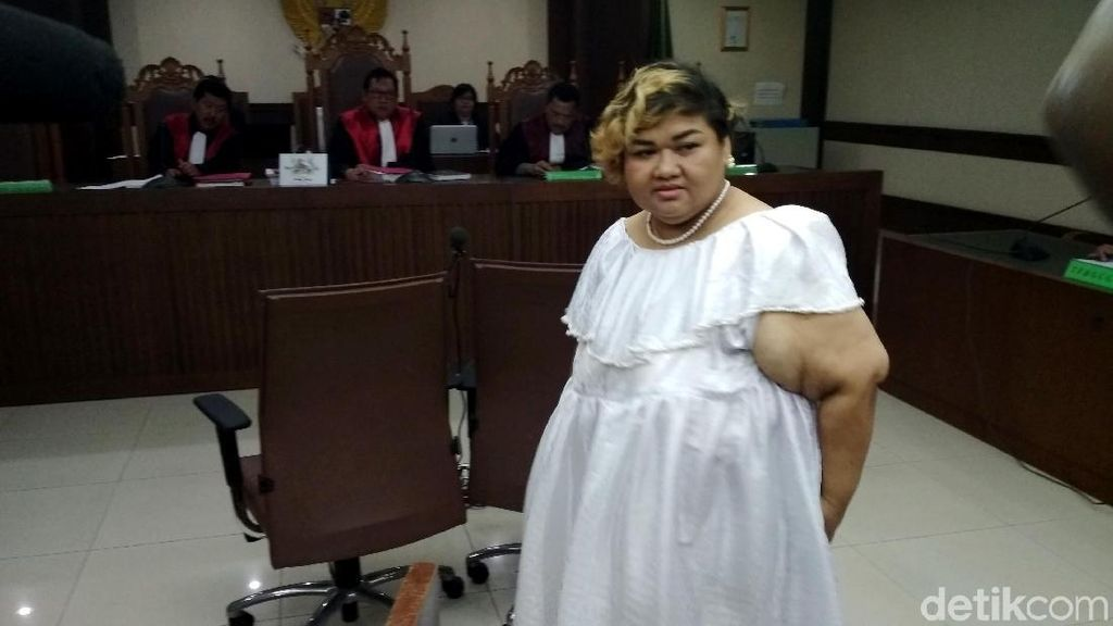 Pretty Asmara Deg-degan Dengarkan Saksi dari Polisi