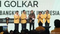 Golkar Siap Deklarasikan Airlangga Cawapres Jokowi di Rakernas