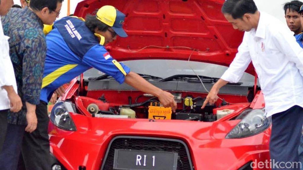 Kelar di Tingkat Menteri, Aturan Mobil Listrik Tunggu Restu Jokowi