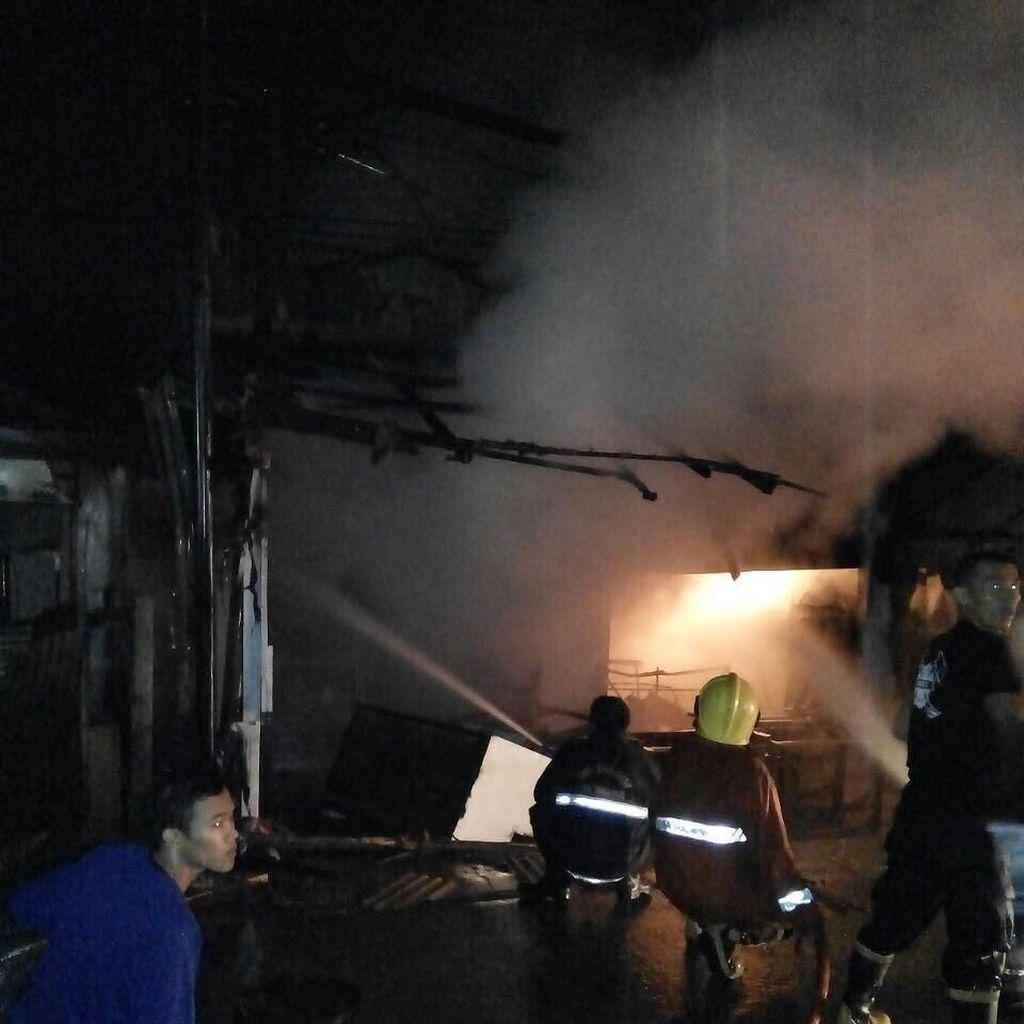 Toko Kue Bolu di Tangerang Terbakar, Kerugian Ditaksir Rp 500 Juta