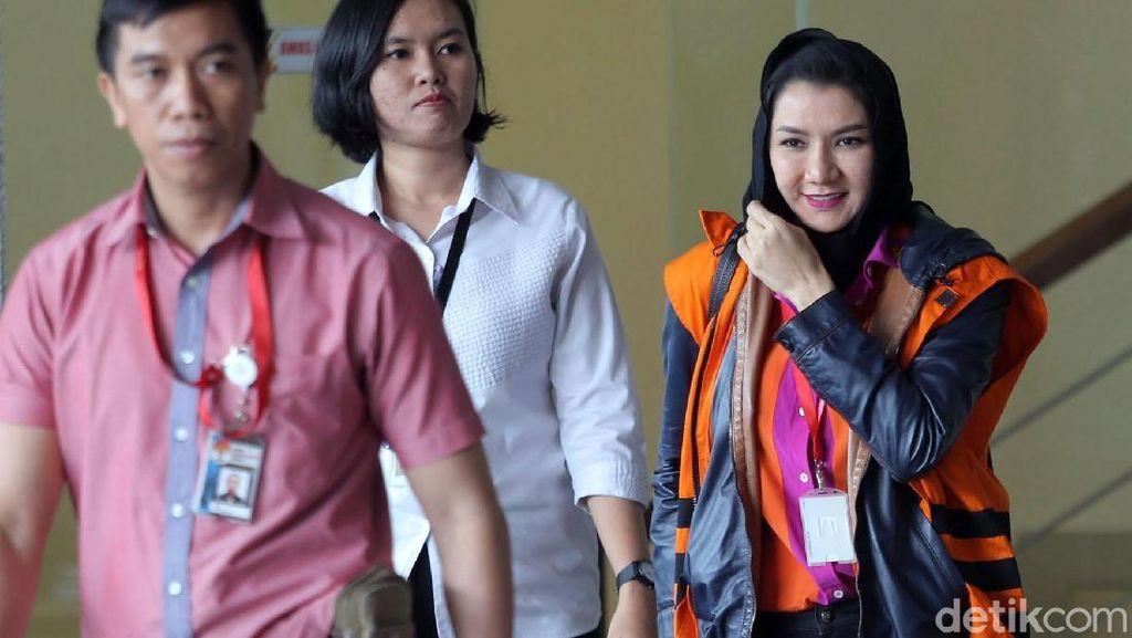 Bupati Rita Mulai Diperiksa KPK soal Pencucian Uang