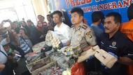 100 Kg Bahan Peledak dan 4 Ribu Petasan Disita, 2 Pelaku Ditangkap