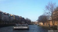 Makan siang di atas Sungai Seine (Afif Farhan/detikTravel)