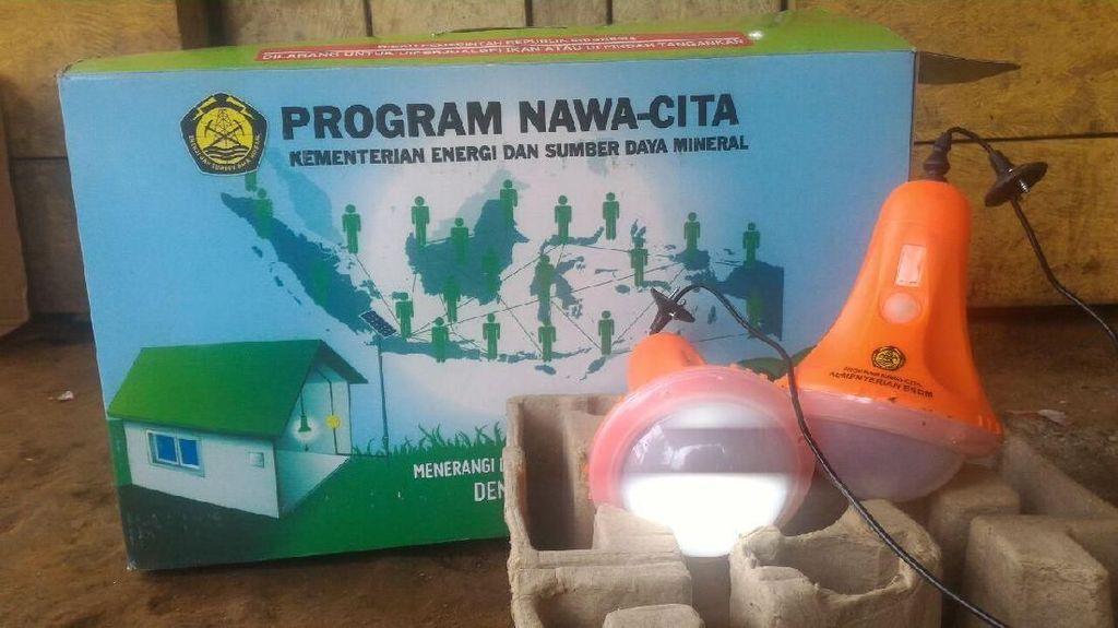 29.155 Unit Lampu Tenaga Surya Dibagikan di Papua Barat