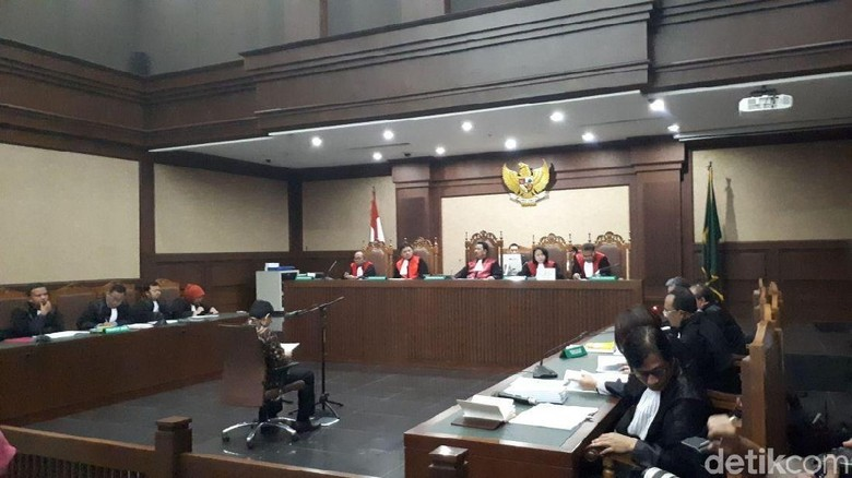 Pengacara: USD 7,3 Juta untuk Novanto Tak Ada di Dakwaan Sebelumnya