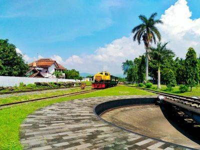 Wajib Coba! Wisata Naik Kereta Jadul di Ambarawa
