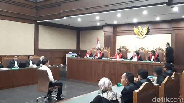 Vonis Andi Narogong, Hakim Beberkan Fakta Duit ke Setya Novanto