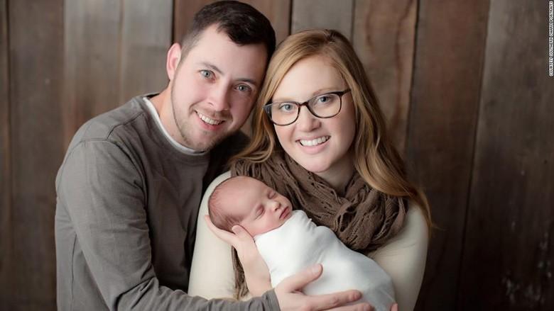 Bayi Ini Lahir dari Embrio yang Dibekukan Selama 24 Tahun/ Foto: Southern Charm Portraits via CNN