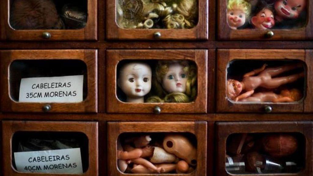 Foto: Rumah Sakit Khusus Boneka, Ngeri Atau Lucu?