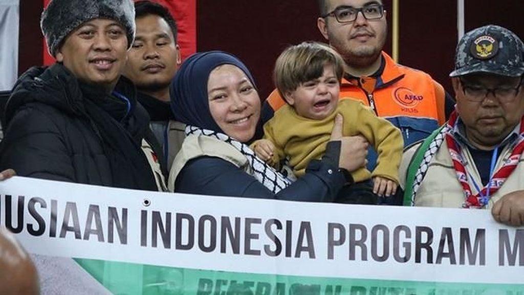 Cerita Melly Goeslaw Jadi Duta Kemanusiaan Indonesia untuk Palestina