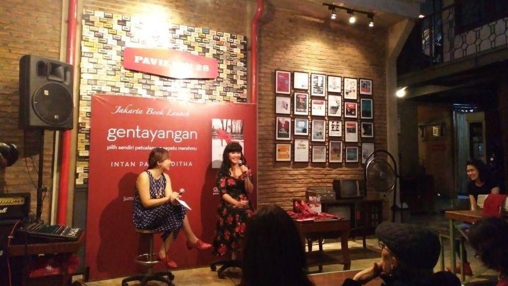 Petualangan Novel Gentayangan Intan Paramaditha Berakhir di Jakarta
