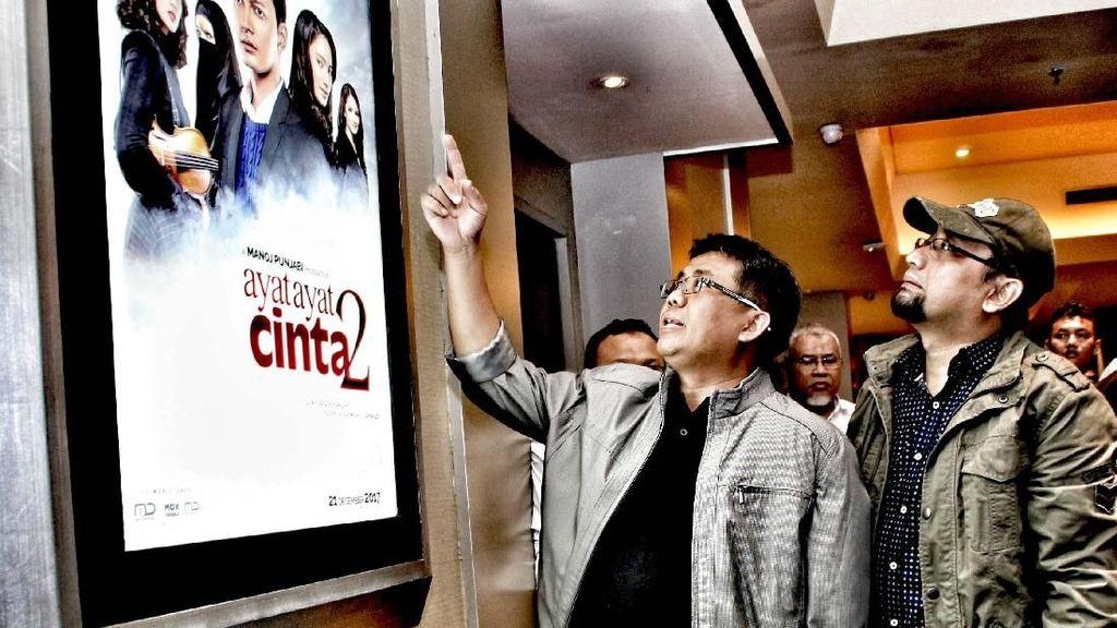 Presiden PKS Nobar Ayat-Ayat Cinta 2 dengan Penulis dan Kader