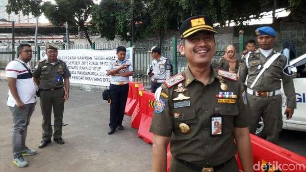 Satpol PP: Jika Tetap di Trotoar, PKL Tanah Abang akan Disanksi Tegas
