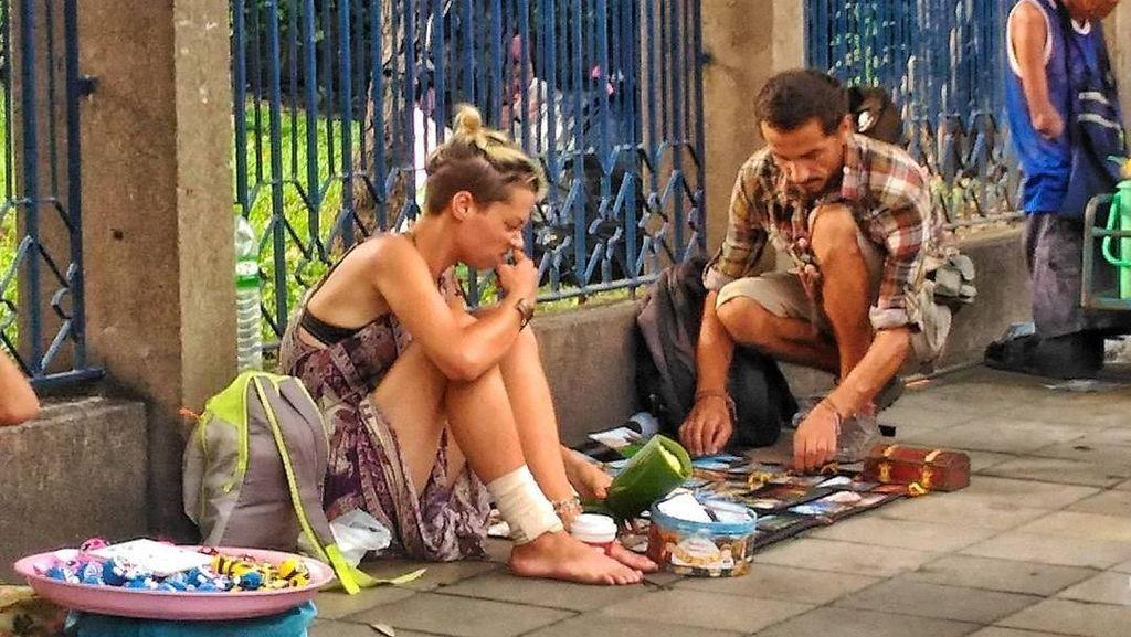 Mengenal Beg-packing, Fenomena Global Turis Kehabisan Ongkos