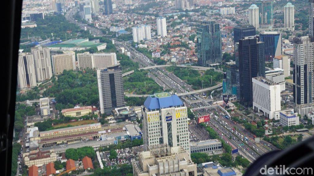 Menjajal Tur Helikopter di Jakarta, Begini Asyiknya!