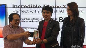 Pria Ini Jadi Pemilik Pertama iPhone X Resmi di Indonesia