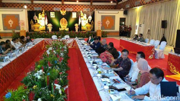 Ratas di Bali, Jokowi Bahas Pariwisata Pasca-Erupsi Gunung Agung