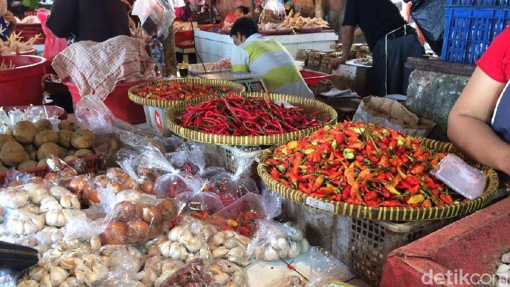 Harga Tomat dan Rawit Melejit Jelang Tahun Baru