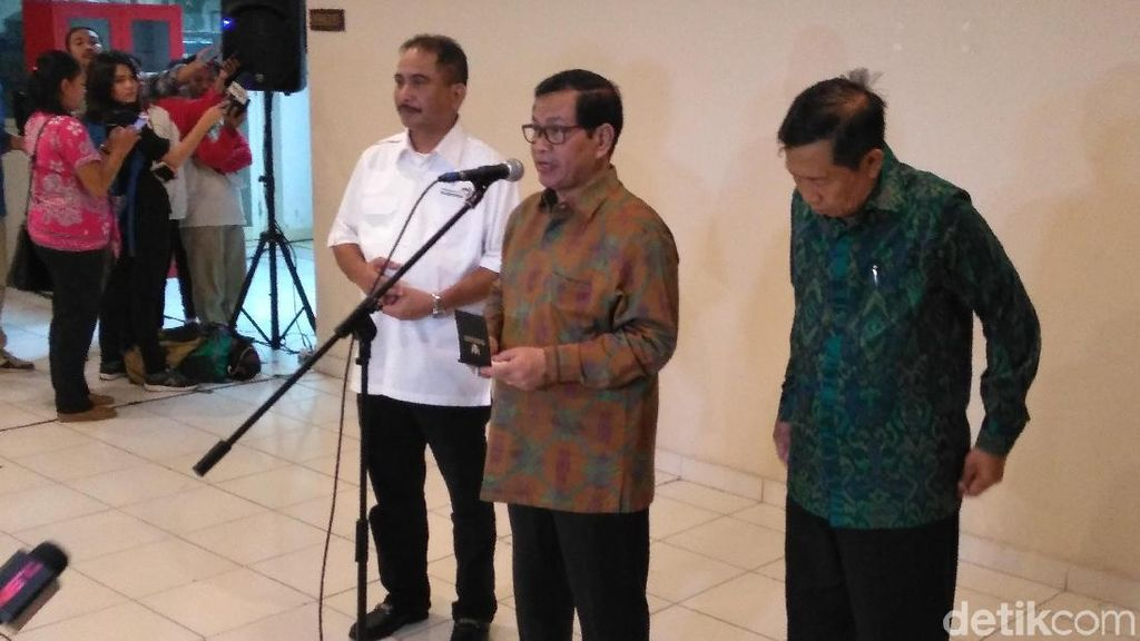 Presiden Jokowi Cabut Status Tanggap Darurat Gunung Agung