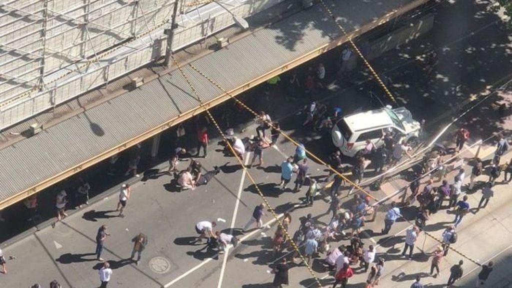 Insiden Mobil Tabrak Pejalan Kaki di Melbourne: Dua Pria Ditahan