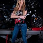 Wanita Tercepat Dunia, Ternyata Jago Otak-atik Motor Juga