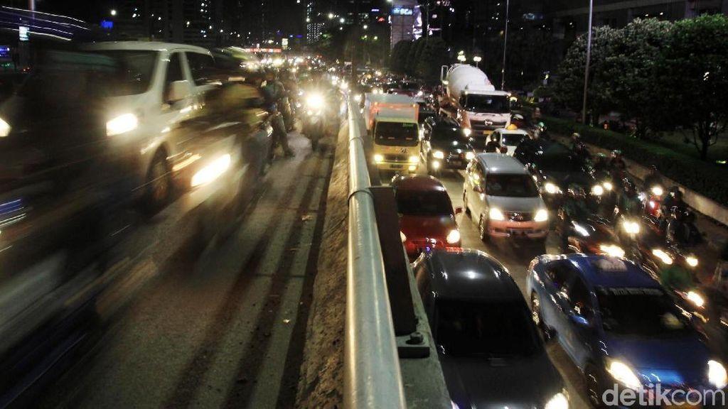 Pengguna Mobil Jarang Perhatikan Perawatan Lampu