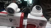 Maling Tas Terekam Kamera CCTV Masjid
