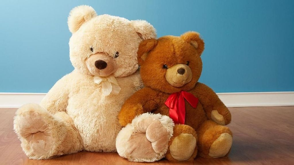 Boneka Besar di Tempat Tidur Bisa Bahayakan Anak, Bun