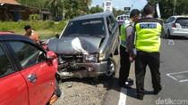 Dua Mobil Adu Banteng di Purworejo, 1 Orang Meninggal