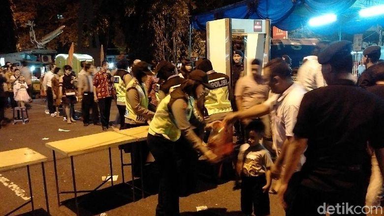 Ribuan Jemaat Gereja Kotabaru Yogya Wajib Lewati Metal Detector