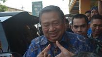 Berkunjung ke Cirebon, SBY Beserta Keluarga Santap Nasi Jamblang