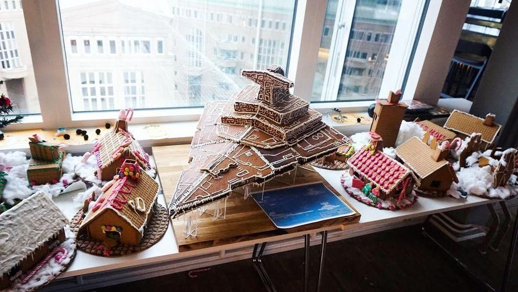 Wow! Ada Kapal Star Wars yang Datang dari Galaxy Gingerbread