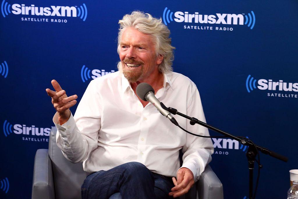 Pendiri Virgin Group Richard Branson sering memilih menu sarapan salad buah dan muesli. Meski sibuk, dia berusaha sarapan pagi bersama keluarga. Foto: Getty Images
