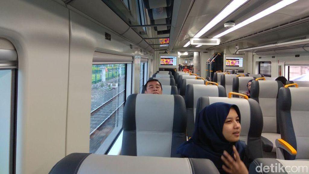 Antusias Jajal Kereta Bandara Soetta, Warga: Nyaman dan Dingin