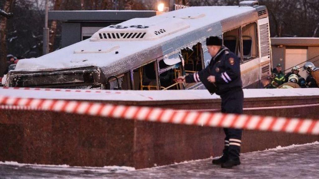 Bus Tabrak Underpass Pejalan Kaki di Moskow, 4 Orang Tewas