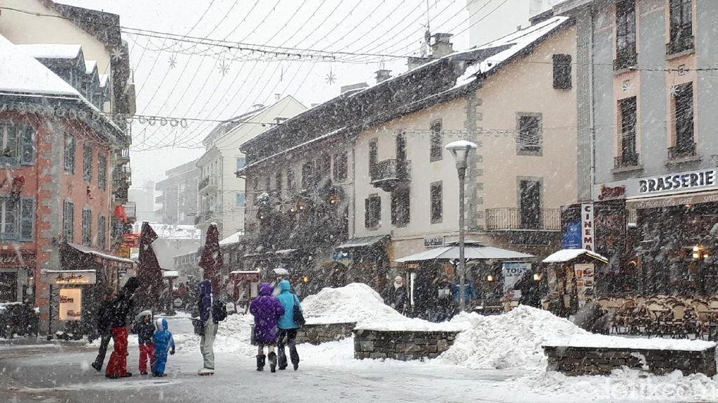 Oh Begini Rasanya... Hujan Salju di Pegunungan Alpen