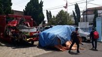 Mobil Waka Polres Kota Malang yang Tewaskan 2 Orang Ditutup Terpal