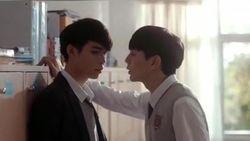 Kocak, Aksi 2 Pria Thailand Bintangi Iklan Lip Balm yang Jadi Viral