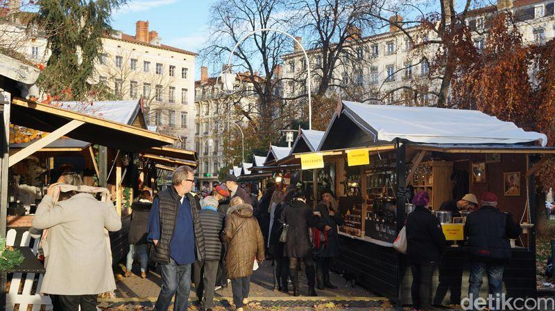 Atas undangan Atout France, detikTravel bersama amwak media baru-baru ini menjelajahi Prancis dari Nice sampai paris. Tak ketinggalan, mampir ke Pasar Natal di beberapa kotanya (Afif Farhan/detikTravel)