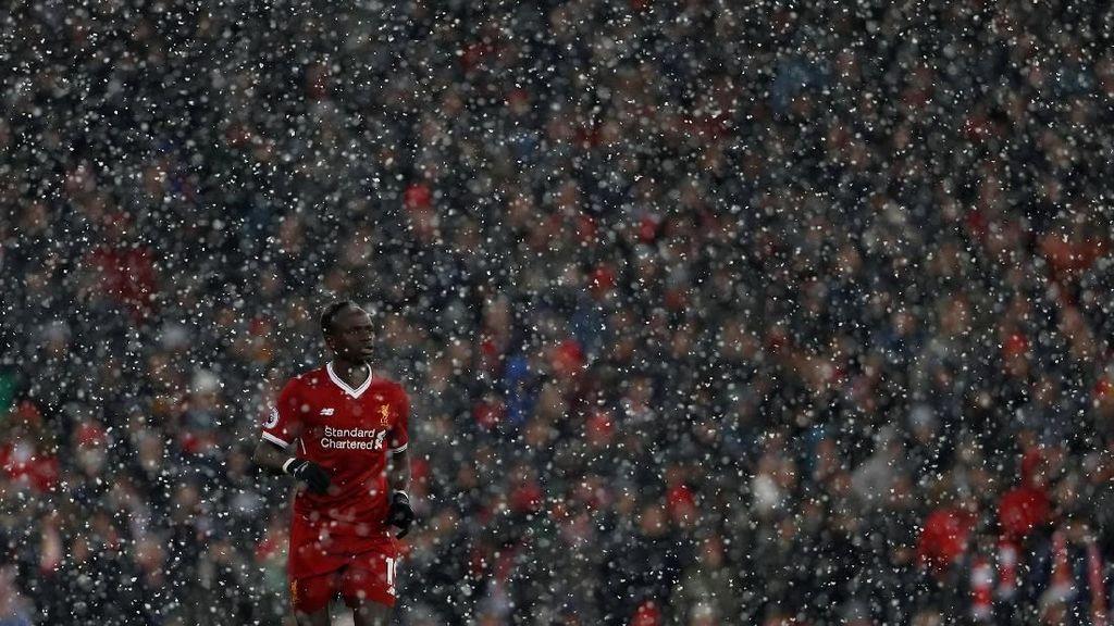 Musim Dingin ala Premier League: Malam Tahun Baru Malah Main Bola