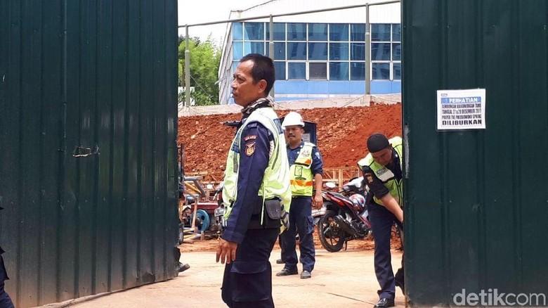 2 Jenazah Pekerja Proyek Pakubuwono Spring Dibawa ke RS Fatmawati